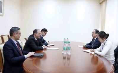 Koreya diplomati bilan uchrashuv